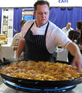 Nick Finn, head chef at The Highway Hotel, cooking paella at Eat Drink Blog 2012