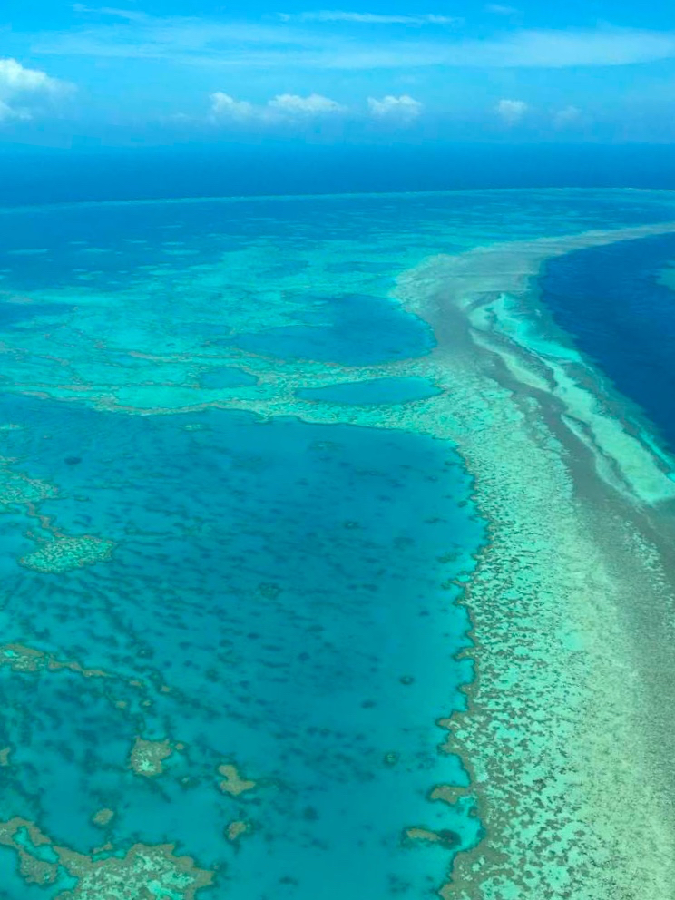 Scenic flight over the Whitsundays with GSL Aviation