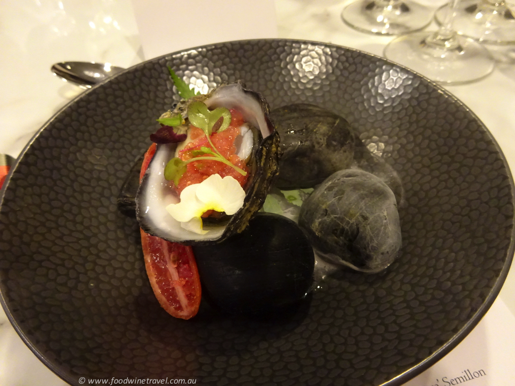 balthazar-oyster-with-fingerlime