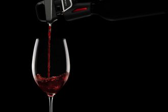 Coravin Keeps Wine Fresh For Months 2 Pour Black