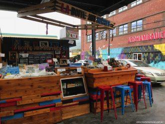 La Boîte aux Huîtres Marché Jean-Talon Montréal Oysters