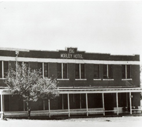 Conrad Hilton's first purchase: the Mobley Hotel in 1919.