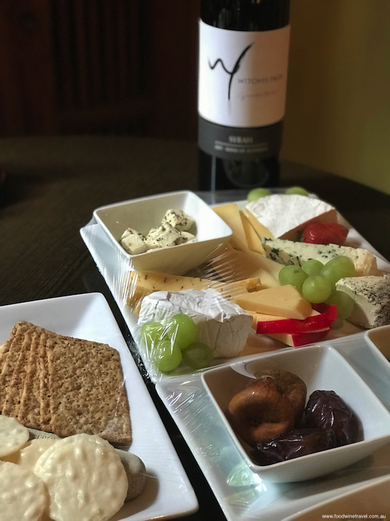 Mount Tamborine Witches Falls Cottages Cheese Plate