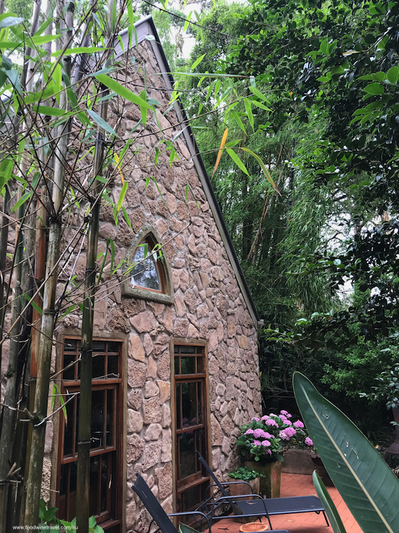 Mount Tamborine Witches Falls Cottages Facade Vertical