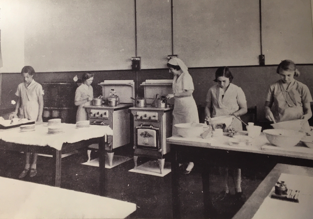 1937 cooking class in an unidentified Queensland state school.