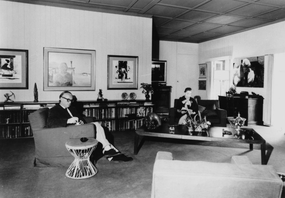 Brian and Marjorie Johnstone in their sitting room at Cintra Road, 1965. Johnstone Gallery Scrapbook RBHARC 7/1/7 pg 99, Australian Library of Art, State Library of Queensland.