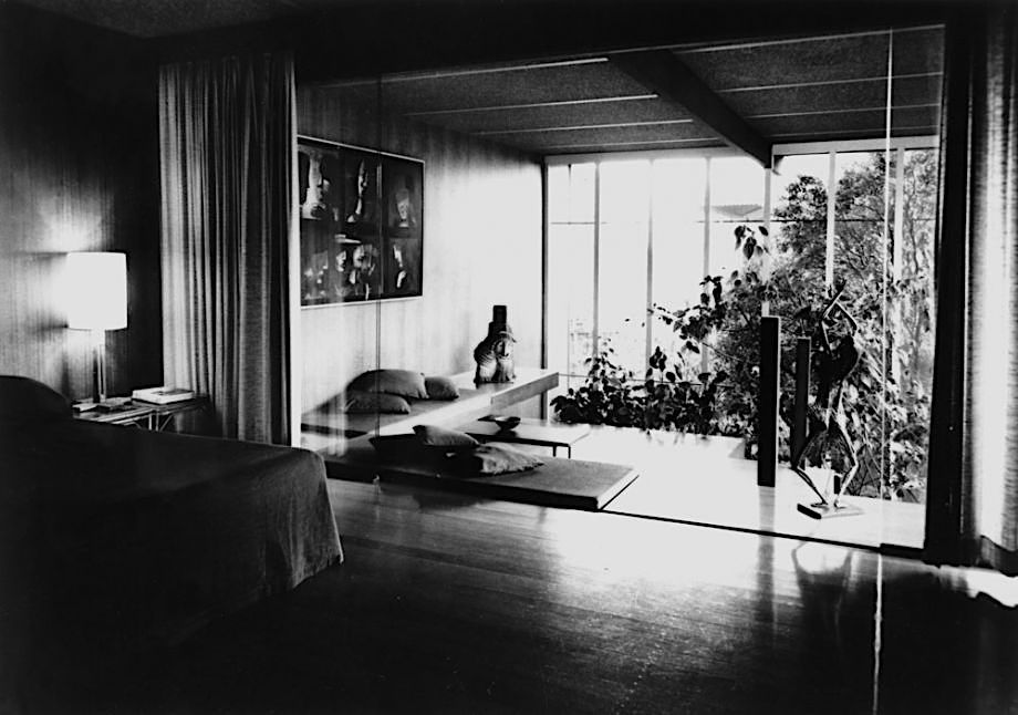 The Johnstone's bedroom at Cintra Road, undated. Johnstone Gallery Scrapbook RBHARC 7/1/7 pg 101, Australian Library of Art, State Library of Queensland. Note the very modern screened indoor garden. Artworks by Charles Blackman and Arthur Boyd are on display.